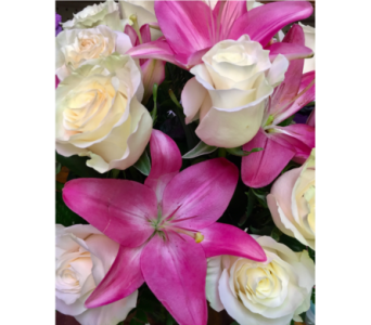 Rose and Lilies bouquet in Lake Zurich IL, Lake Zurich Florist