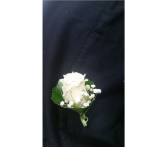 Sweet and Simple Boutonniere in Gaithersburg MD, Flowers World Wide Floral Designs Magellans