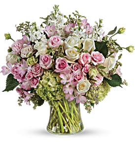 Beautiful Love Bouquet in Alliston, New Tecumseth ON, Bern's Flowers & Gifts