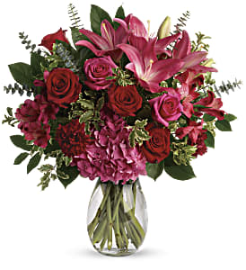 Love Struck Bouquet in Alliston, New Tecumseth ON, Bern's Flowers & Gifts