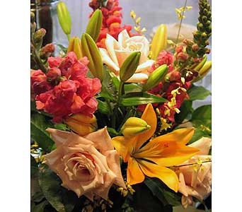 WARM TONES CUT FLOWERS BOUQUET in Etobicoke ON, VANDERFLEET Flowers