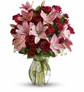 Lavish Love Bouquet with Long Stemmed Red Roses in Hilton NY, Justice Flower Shop