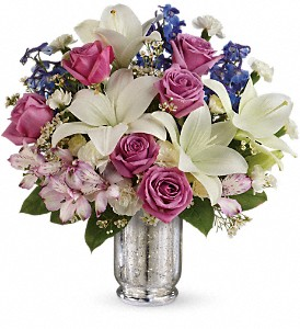 Teleflora's Garden Of Dreams Bouquet in White Stone VA, Country Cottage