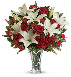 Teleflora's Heartfelt Bouquet in White Stone VA, Country Cottage