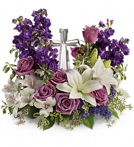 Teleflora's Grace And Majesty Bouquet in Fredonia NY, Fresh & Fancy Flowers & Gifts