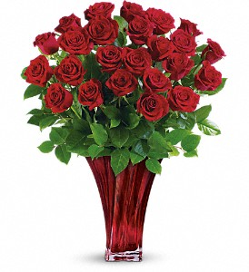 Teleflora's Legendary Love Bouquet in Morgantown WV, Coombs Flowers