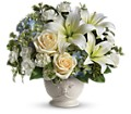 Beautiful Dreams by Teleflora in Chicago IL Wall's Flower Shop, Inc.