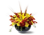 Graceful Golds in San Clemente CA, Beach City Florist