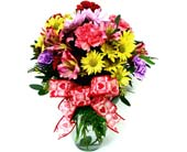 VF89 ''Heart to Heart'' Vase Arrangement in Oklahoma City OK, Array of Flowers & Gifts