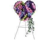 Graceful Tribute Heart in Fairfield CT, Town and Country Florist