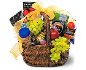 Gourmet Picnic Basket in North Manchester IN, Cottage Creations Florist & Gift Shop
