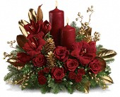 Candlelit Christmas in Farmington CT, Haworth's Flowers & Gifts, LLC.