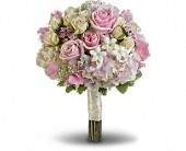 Pink Rose Splendor Bouquet in Bluffton IN, Posy Pot