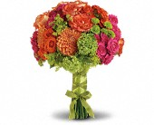 Bright Love Bouquet in Yankton SD, Pied Piper Flowershop