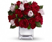 Teleflora's It Had to Be You Bouquet in Harlan KY, Coming Up Roses