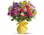 Teleflora's Color It Happy in Ste-Foy QC, Fleuriste La Pousse Verte