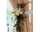 Home Ceremony Curtain Cluster in Wausau, Wisconsin, Blossoms And Bows