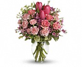Full Of Love Bouquet in Sherbrooke QC, Fleuriste Lijenthem