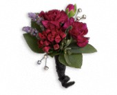 Red Carpet Romance Boutonniere in Sherbrooke QC, Fleuriste Lijenthem
