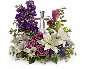 Teleflora's Grace And Majesty Bouquet in La Prairie QC, Fleuriste La Prairie