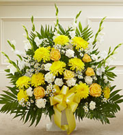 Yellow & White Basket in Staten Island NY, Buds & Blooms Florist
