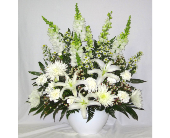 Styled Fresh Arrangement in Hollidaysburg PA, Warner's Florist Gifts & Greenhouse