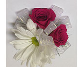 Daisy & Hot Pink Spray Rose child's wrist corsage in Wyoming MI, Wyoming Stuyvesant Floral