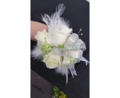 Feathery White Corsage in Newburgh NY, Foti Flowers at Yuess Gardens