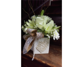 Pearls and Lace in Greenwood IN, The Flower Market