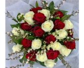 For a Queen in North Vancouver BC, Special Moments Flowers And Gifts