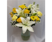 Spring Artistry in Grand Rapids MN, Shaw Florists