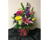 Signature Vase in Oklahoma City OK, Flowers By Pat