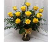 Dozen Yellow Roses in Grand Rapids MN, Shaw Florists