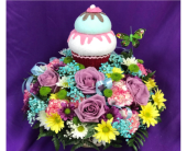 Sherwood's Birthday CupcakeCenterpiece in Spring Hill FL, Sherwood Florist Plus Nursery