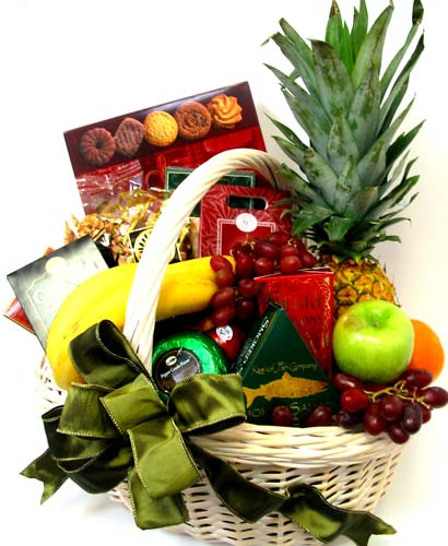 GF35 ''Deluxe Fruit & Gourmet Gift Basket'' in Oklahoma City OK, Array of Flowers & Gifts