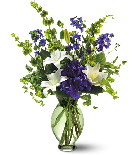 Teleflora's Green Inspiration Bouquet in Victoria BC, Thrifty Foods Flowers & More