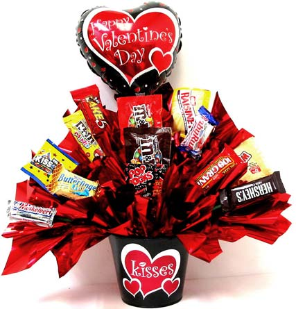 VCB89 ''Valentine Kisses'' Candy Bouquet in Oklahoma City OK, Array of Flowers & Gifts