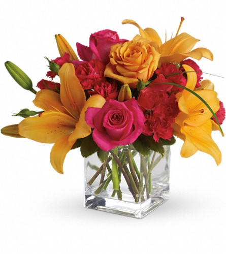 Teleflora's Uniquely Chic in Manhasset NY, Town & Country Flowers