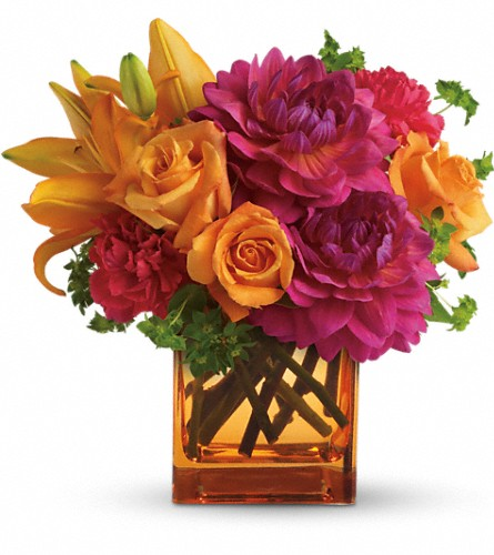 Teleflora's Summer Chic in Ajax ON, Reed's Florist Ltd