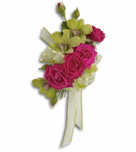 Chic and Stunning Corsage in New York NY, Fellan Florists Floral Galleria