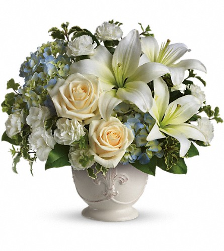 Beautiful Dreams by Teleflora in Amherst NY, The Trillium's Courtyard Florist