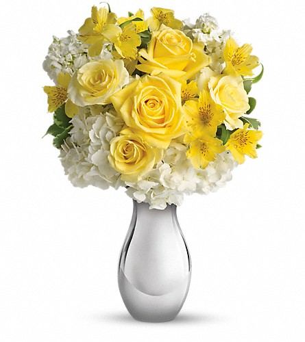 Teleflora's So Pretty Bouquet in Meadville PA, Cobblestone Cottage and Gardens LLC