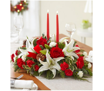 Traditional Christmas Centerpiece dans Watertown CT, Agnew Florist