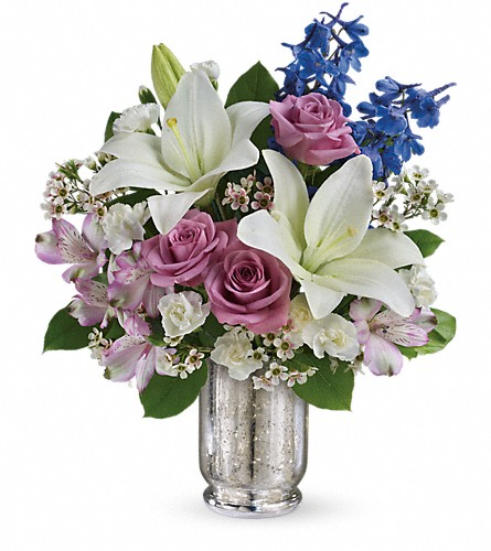 Teleflora's Garden Of Dreams Bouquet in Harlan KY, Coming Up Roses