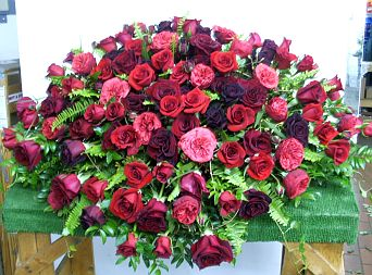 RED ROSE REVERENCE CASKET SPRAY in Salisbury MD, Kitty's Flowers