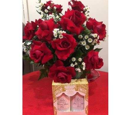 Cupid Special Roses, Strawberries & Hand Products in Massapequa Park NY, Bayview Florist & Montage  1-800-800-7304