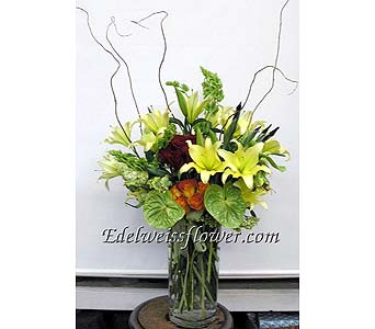 Majestic Lilies Flower Bouquet in Santa Monica CA, Edelweiss Flower Boutique