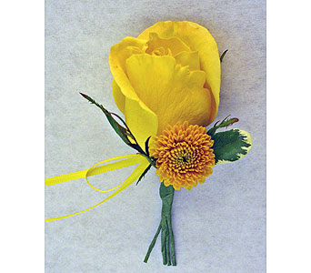 Yellow Rose Boutonniere in Indianapolis IN, McNamara Florist