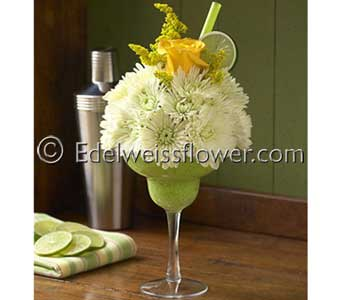Tiny Margarita Flower Bouquet in Santa Monica CA, Edelweiss Flower Boutique
