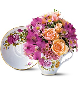 Pink Roses Teacup Bouquet in Brownsburg IN, Queen Anne's Lace Flowers & Gifts